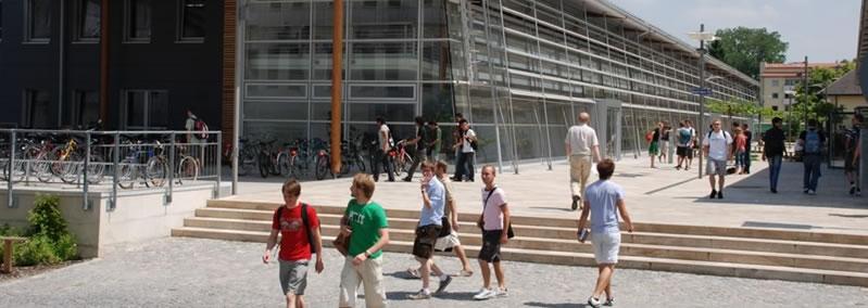 اسئلة شائعة حول الدراسة في المانيا - جامعة روزنهايم للعلوم التطبيقية